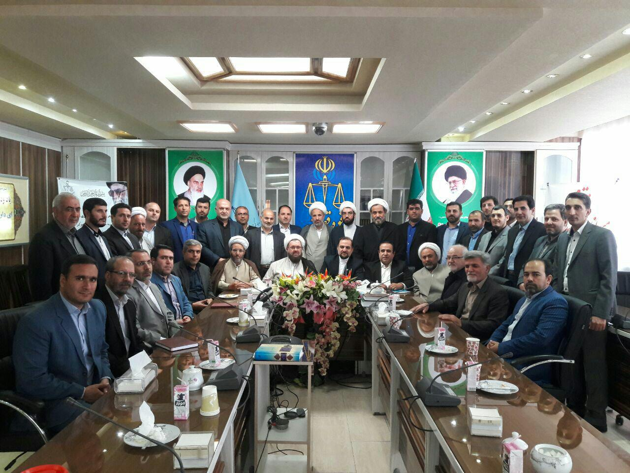 گزارش اولین گردهمایی گارگاه آموزشی سردفتران ازدواج وطلاق استان آذربایجانشرقی